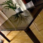 tavolo in vetro satinato bronzo | vetreria Esinvetro Jesi