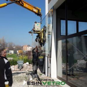 vetreria esinvetro jesi | montaggio vetri termici | sostituzione vetri rotti o danneggiati