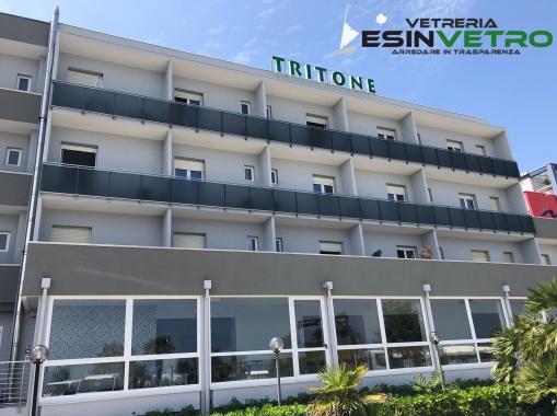 Realizzazioni vetreria esinvetro for Primo hotel in cabina