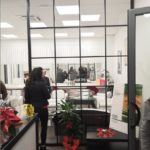 """vetro extrachiaro su struttura in ferro zincato verniciato nero presso """"Chloe studio"""" di Jesi (AN)"""