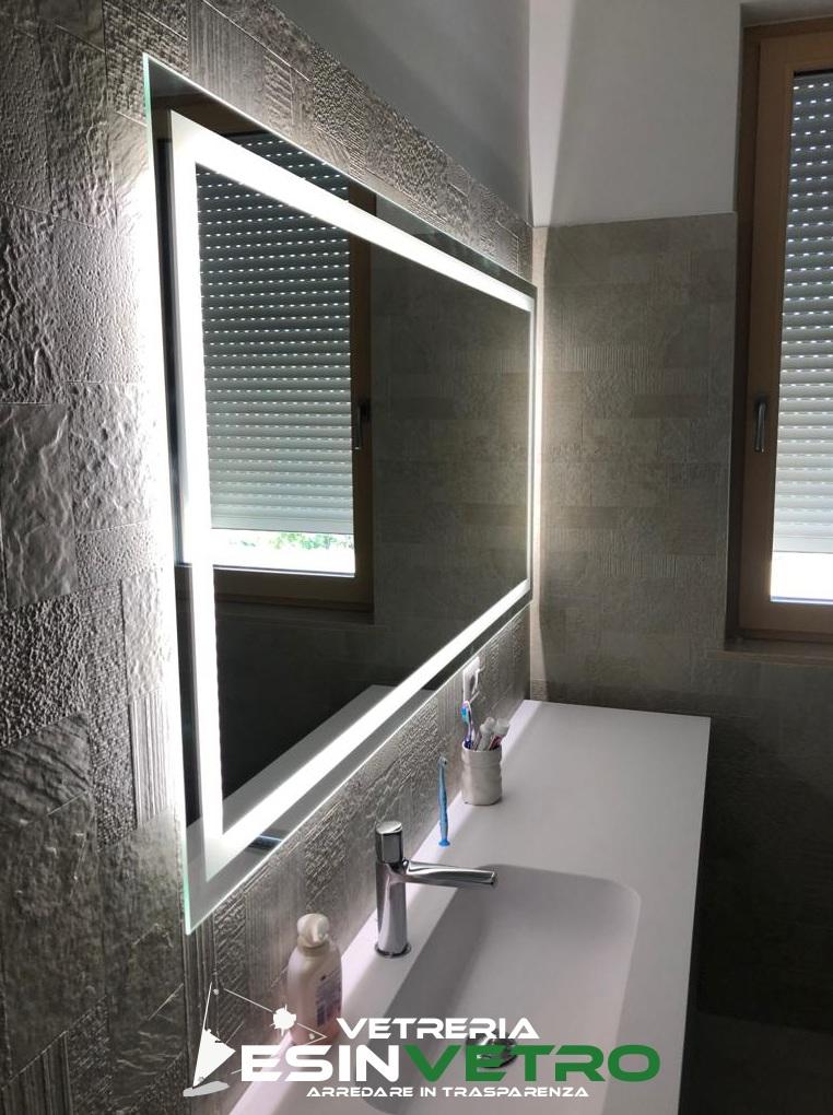 specchio a led su misura   specchio da parete   vetro arredo   vetreria esinvetro jesi