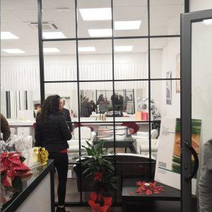 vetro extrachiaro con struttura in ferro zincato verniciato nero presso Chloe studio di Jesi (AN)
