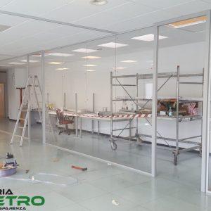 """uffici tutto vetro presso stabilimento """"Elica"""" di Fabriano (AN)"""