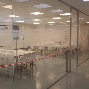 uffici tutto vetro presso stabilimento Elica di Fabriano (AN)