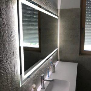 specchio a led su misura | specchio da parete | vetro arredo | vetreria esinvetro jesi