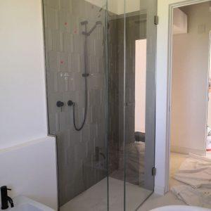 box doccia scorrevole ante in vetro extrachiaro anticalcare | vetreria Esinvetro Jesi